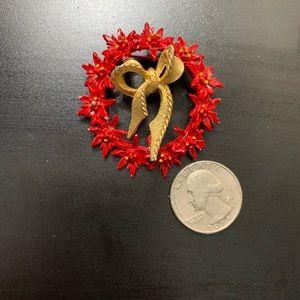 Jewelry - Vintage Red Enamel Wreath Pin